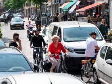 Ongeduld in onveilige Steenstraat; petitie om drukke verbinding autoluw te maken