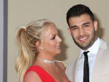Verloofde verrast Britney Spears met puppy