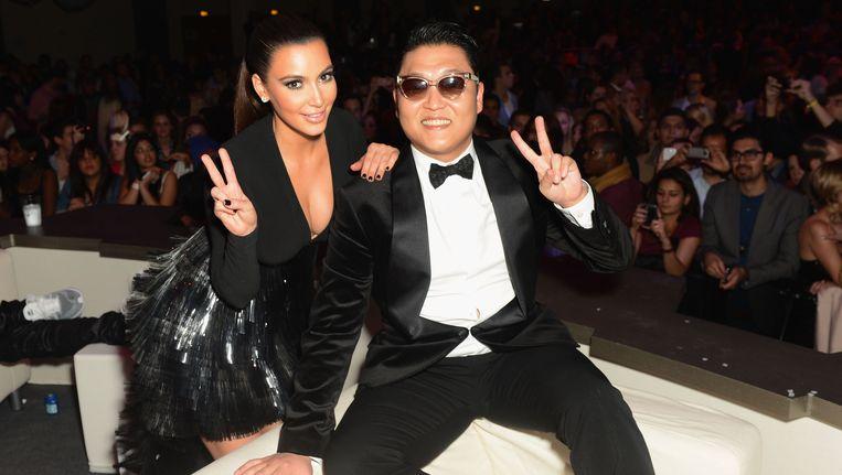 Kim Kardashian en Psy tijdens de EMA's in Frankfurt in november 2012. Beeld Getty Images for MTV
