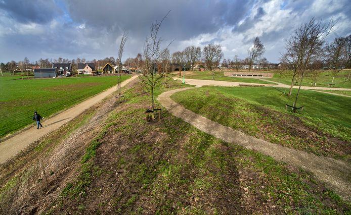 Het arboretum in Geffen met links het uitbreidingsgebied.