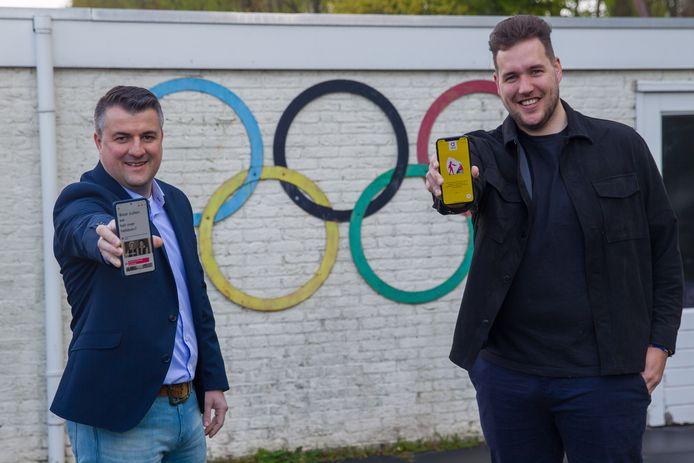 Robin van Otterdijk (rechts) en Igor Mitrovic uit Veldhoven hebben een app gemaakt waarmee je makkelijker contact kunt leggen met mensen met dementie.