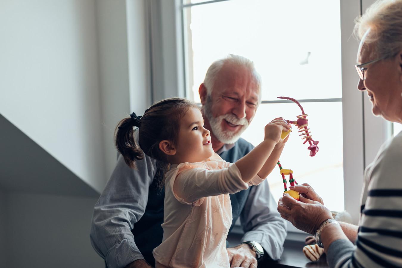 Opa en oma zijn is niet altijd even makkelijk. Foto ter illustratie.