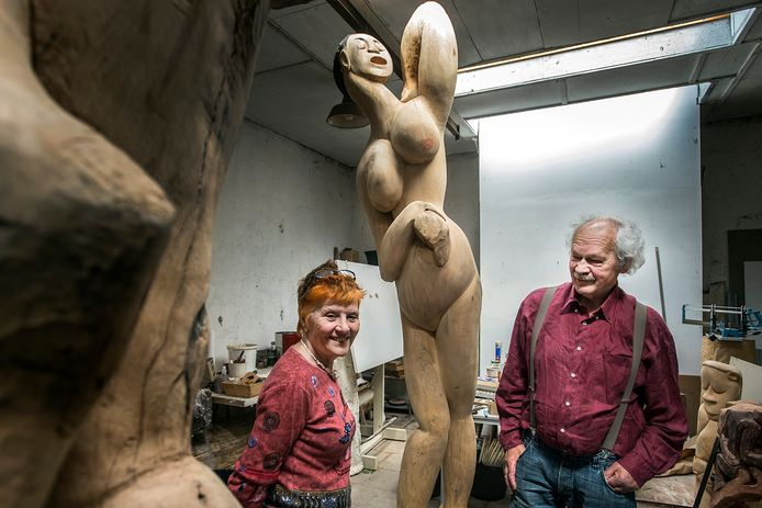 Mariet en Dick Fluitsma in het atelier.
