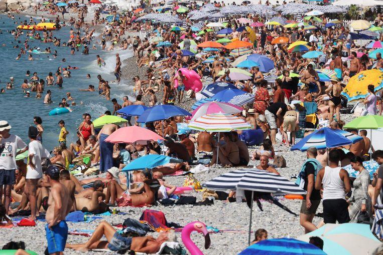 Het strand van Nice. Beeld AFP