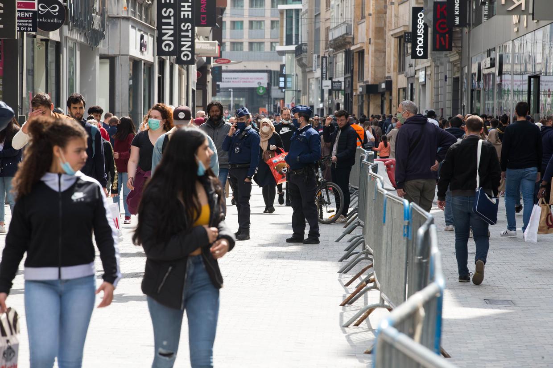 Drukte in de Brusselse Nieuwstraat. Beeld BELGA