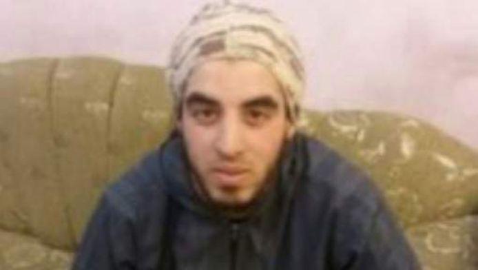 De Belgische IS-strijder die zich 'Abu Omar Al-Belgiki' noemt
