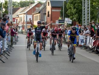 """Mathis Avondts boekt in provinciaal kampioenschap eerste zege: """"Hoop nog op mooie uitslagen in UCI-koersen"""""""