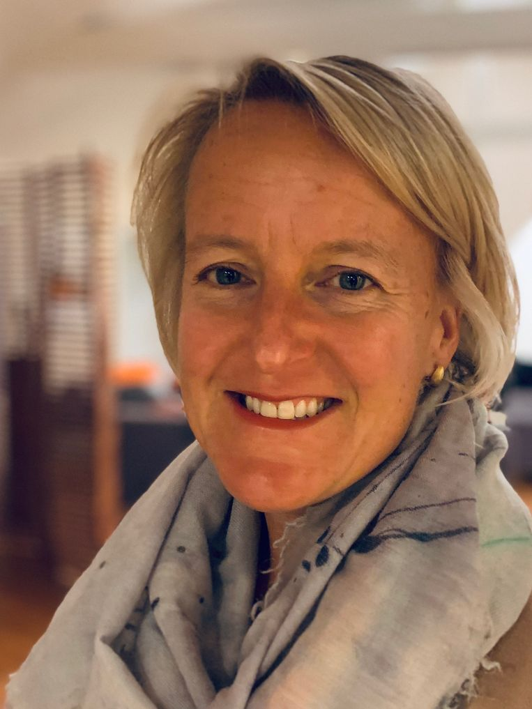Katja Coppens: 'Aanvankelijk dachten we: 'Dit waait wel over.' Nu annuleert mijn man zijn zakenreizen.'   Beeld rv
