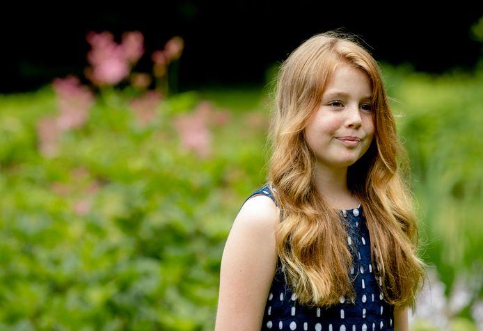 Alexia tijdens een koninklijke fotosessie in de tuin van Landgoed De Horsten, in 2016.
