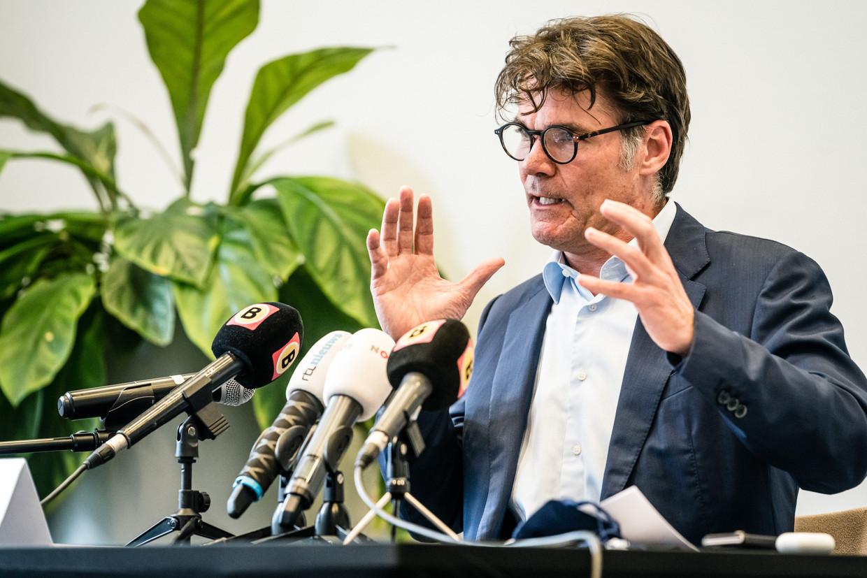 Burgemeester Paul Depla tijdens de persconferentie. De gemeente Breda geeft geen vergunning voor het evenement 538 Oranjedag dat zou plaatsvinden in de stad.  Beeld ANP