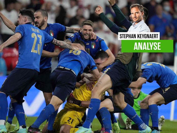 Dolle vreugde bij de Italianen na de strafschoppenreeks.