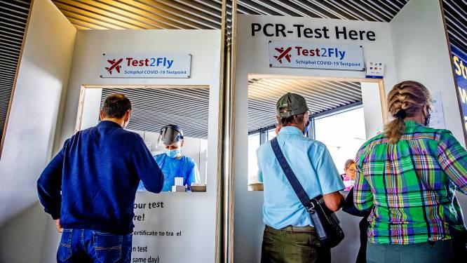 Vakantievierende jeugd vreest verplichte PCR-test: 'Virus gaat daar als een dolle rond'
