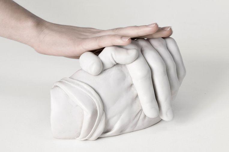 'Exploring Hand' van Almudena Lobera, te zien in EMERGENT in Veurne. Beeld Almudena Lobera