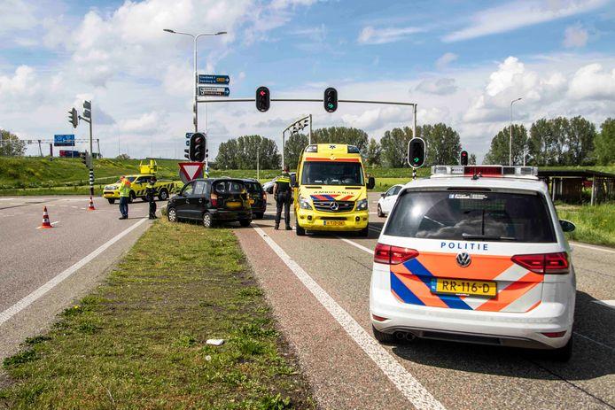 Het ongeluk op de afrit van de A12 bij Duiven.