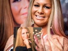 Vriend Barbie wordt bij haar vandaan gehouden