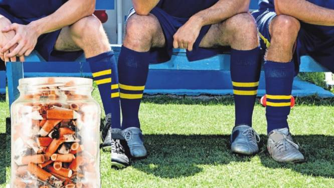 Roken is voortaan taboe bij voetbalclub DSV: ook buiten de kantine gaat de peuk in de ban