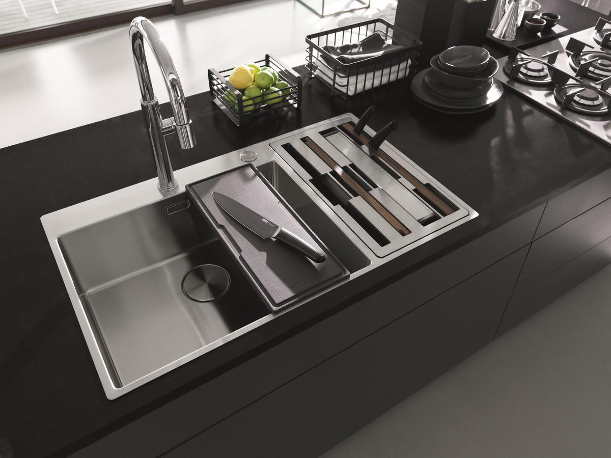 Je kraan is het meest gebruikte item in de keuken. Dus je kan maar beter een mooi exemplaar kiezen dat perfect in je keuken past.