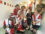 Uitzinnig feest Feyenoord met schaal en champagne