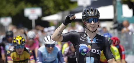 Wiebes wint vijfde etappe Giro, Van der Breggen behoudt roze