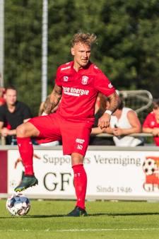 FC Dordrecht legt in één klap acht nieuwe spelers vast; mix van talentvolle spelers en ervaring