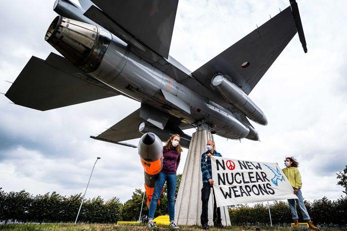 Bij de vliegbasis Volkel wordt regelmatig gedemonstreerd tegen kernwapens.