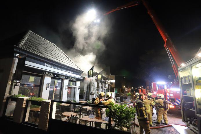 Een brand richtte vannacht bij restaurant PRIMA in Nunspeet aanzienlijke schade aan.