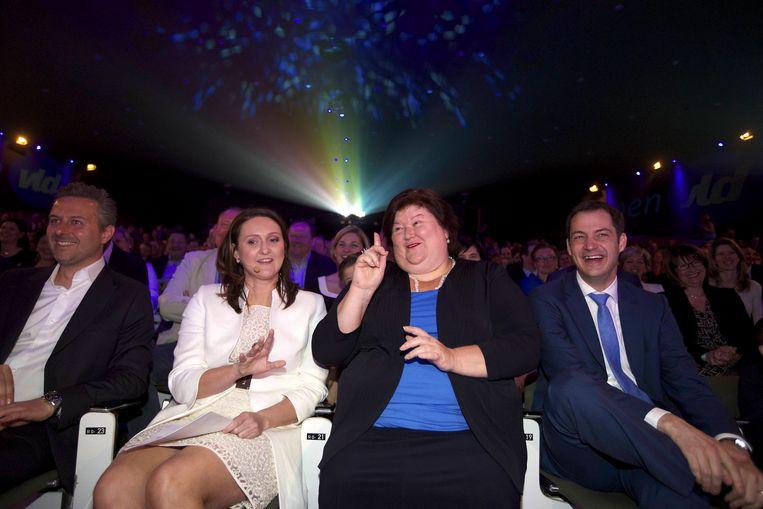 Open Vld-kopstukken Gwendolyn Rutten, Maggie De Block en Alexander De Croo tijdens het partijcongres. Beeld BELGA