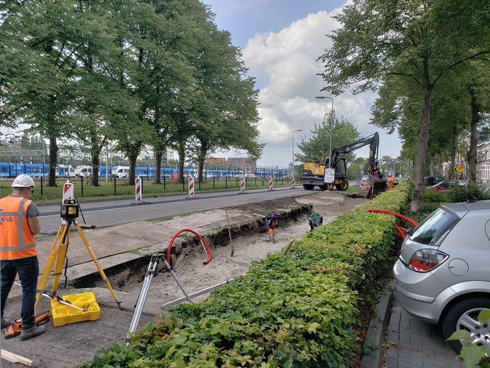 KWS is aan de Deventerstraatweg in Zwolle begonnen met de aanleg van 's werelds eerste PlasticRoad; een fietspad van gerecycled plastic.