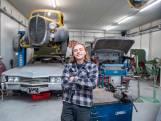 Joeri (25) knapt bolides van miljoenen euro's op, vanuit het hele land komen mensen naar hem toe