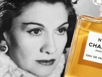 Het parfum dat zich omringt met sterren, maar al 100 jaar zichzelf blijft