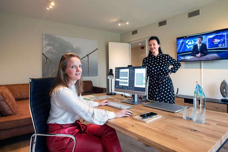 Marleen Redeker en Tabitha Kortman hebben een leiderschapsgame ontwikkeld.  Beeld Guus Dubbelman