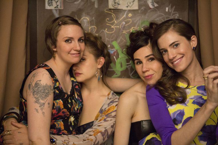 Lena Dunham (links) en haar vriendinnen in 'Girls'. Beeld HBO