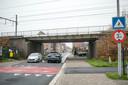 Een knip voor het gemotoriseerde verkeer in de Nieuwe Molenstraat: dat is het ingrijpende gevolg van de aanleg van de fietsbrug over Vijfstraten.