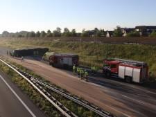 A50 bij Veghel is weer open, uren na ongeluk met gekantelde vrachtwagen