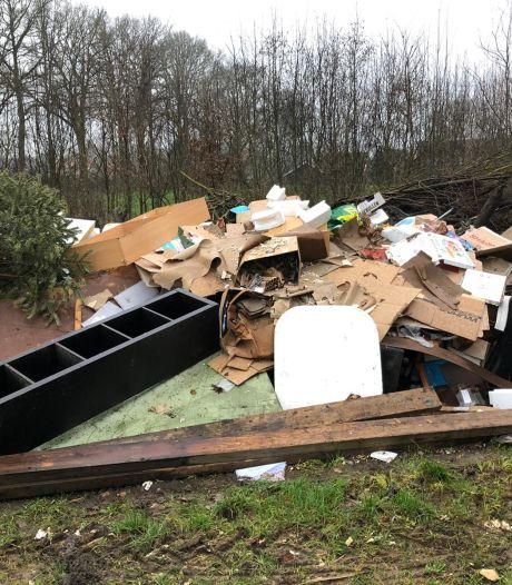 Asociale afvaldump bij Deurningerbeek en op veel plekken in Zuid-Berghuizen