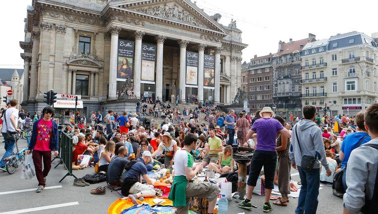 Het Beursplein in Brussel, een van de straten in de hoofdstad die autovrij worden. Beeld BELGA