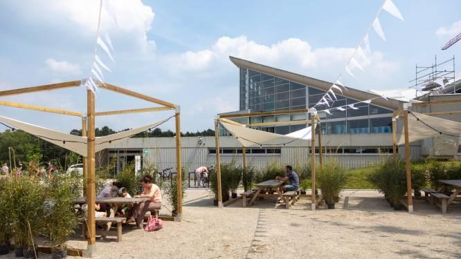 Sportief terrassen: stad opent bar aan SportinGenk Park
