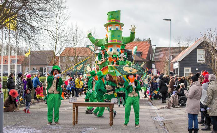 Paerehat ('s-Heerenhoek) viert carnaval.Beeld: De Spruutjes, St. Patricks day. Winnaar bij de A wagensVerslag: Timo vd KasteeleLocatie: Paerehat ('s-Heerenhoek) .Fotograaf: Johan vd Heijden.