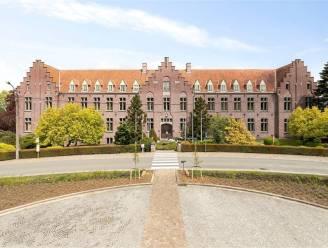 Voormalig sanatorium en woonzorgcentrum Sint-Leonard in Louise-Marie te koop voor 1.250.000 euro