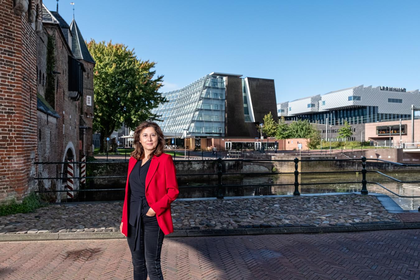 """Onderwijswethouder Fatma Koser Kaya (D66): ,,De schoolbesturen hebben aangegeven zich te kunnen vinden in de aanpassing van de overeenkomst."""""""