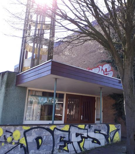 Voormalige Apostolische kerk in Arnhem maakt plaats voor appartementen