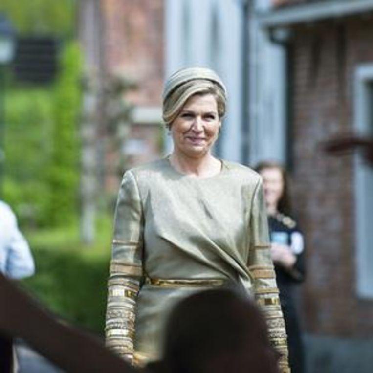 Máxima in gouden jurk Beeld Bruno Press
