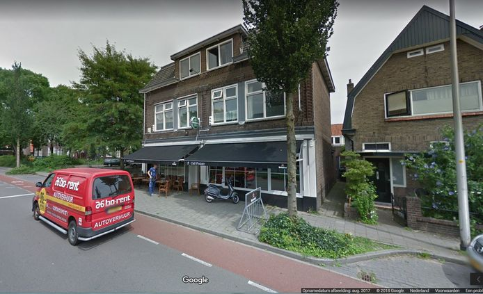 Het huidige café Pinkster aan de Diepenveenseweg.