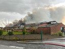 Een blikseminslag zorgde vrijwel onmiddellijk voor brand in de loods in Lichtervelde.