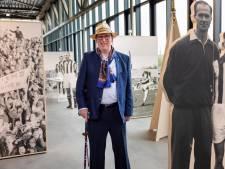 Peter Année (88) bij expositie Leev' Hoezee over Willem II: 'Eén wisselspeler, zo was dat toen'