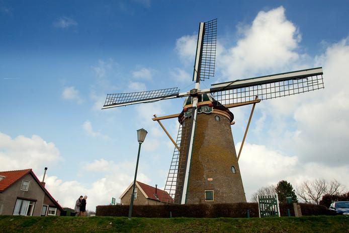 De molen in Goudswaard. (RD/HW) FOTO: © VICTOR VAN BREUKELEN