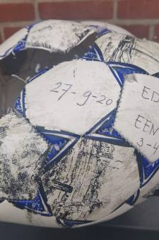 Bal ontploft bij voetbalduel in vijfde klasse: 'Iedereen schrok zich rot'