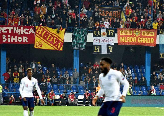 De gedragingen van supporters tijdens  wedstrijd tussen Montenegro en England worden nu door UEFA onderzocht op racisme vanaf de tribunes.