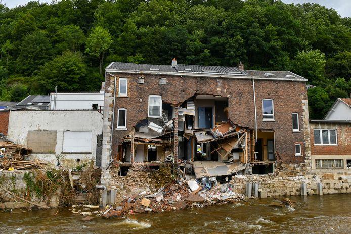 50-tal zwaar beschadigde gebouwen worden afgebroken na zware overstromingen in Pepinster.
