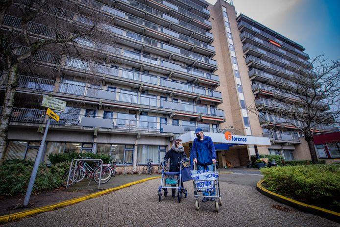 Ouderencentrum de Mantel in Voorburg waar de 87-jarige Cees tijdens de lockdown steeds bozer werd om zijn opsluiting om corona.